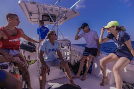 Ren Chapman teaching freediving course on boat in grand Cayman