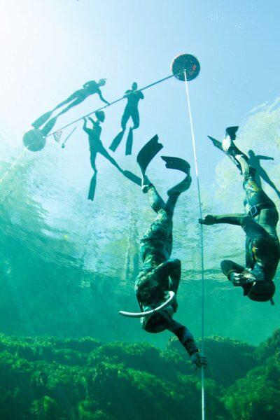 Freediver descends in Troy Springs Florida